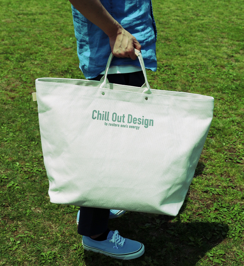 Chill Out Design キャンバストートバッグ(LL):10,800円(税別)