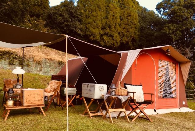 女子キャンプにオススメのタープの画像